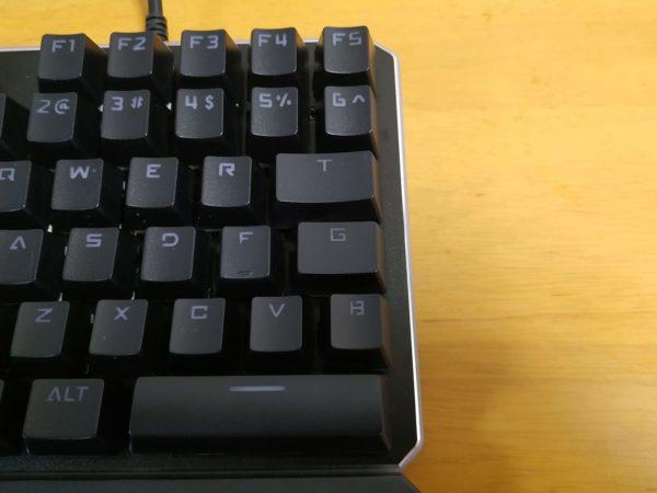 左手キーボードの一番右側のキー